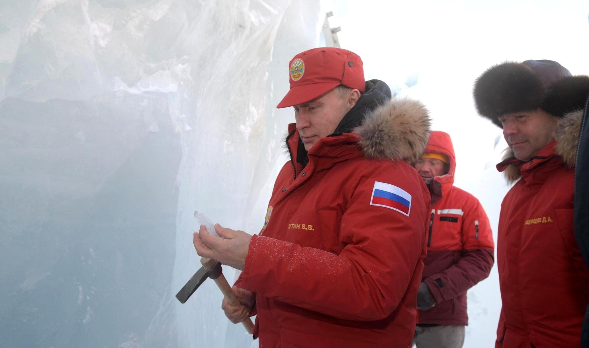 Vladimir Putin visits a Russian military base in the Arctic (Photo: Kremlin)